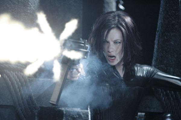 Kate Beckinsale stars as Selene in UNDERWORLD: EVOLUTION